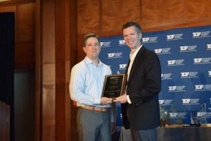 Richard Markwith (right) accepts Guy Kelcey Award from David Harwood, president of ARTBA's P&D Division, at the 2015 ARTBA National Convention in Philadelphia, Pa.